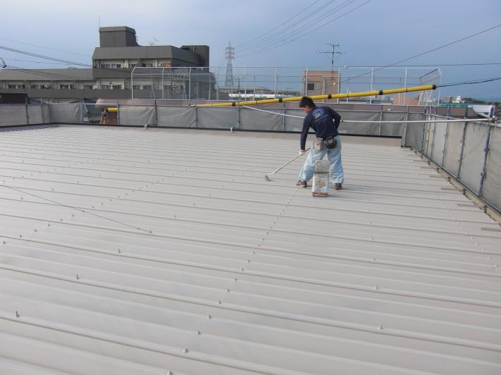 折版屋根上塗り2回目