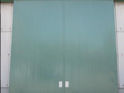 錆止め・上塗り共にトウペの材料、錆止めにスーパーエピライトマイルド、上塗りにシンセイ#100富...