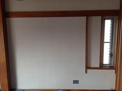 四国化成の塗り壁用塗料、エコ美ウォールを使用しました。