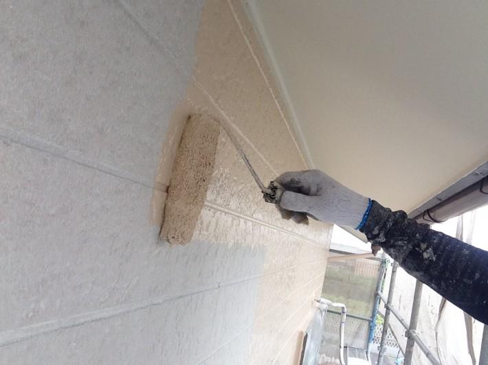 【外壁】 上塗り1回目 一液マイルドシリコン