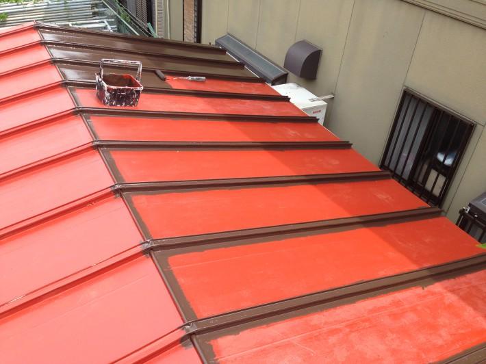 【瓦棒屋根】 上塗り1回目 一液マイルドシリコン