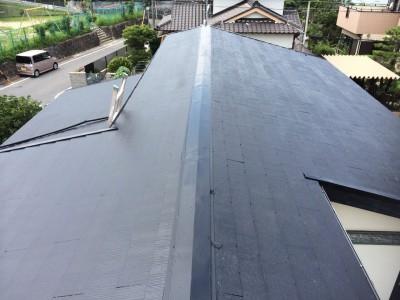 こちらのK様邸は築40年目の屋根のみの初工事で、前回の塗膜がかなり剥がれ完全に取れきれなかったで...
