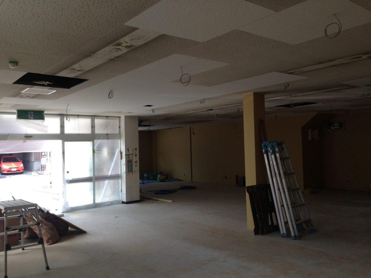 事務所天井塗装・壁マスチック塗装
