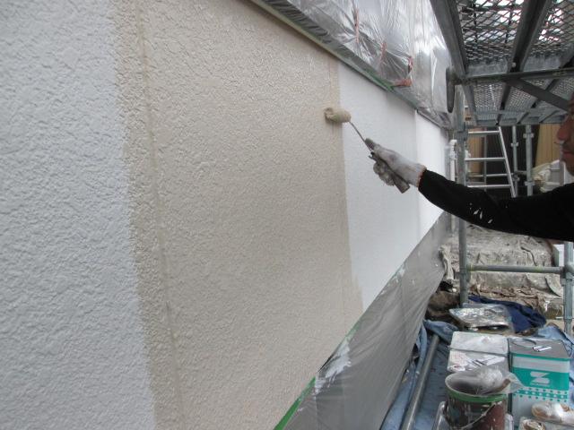 【外壁モルタル部分】上塗り1回目