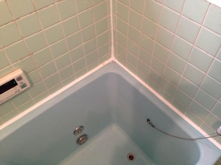 浴槽廻りコーキング 施工後