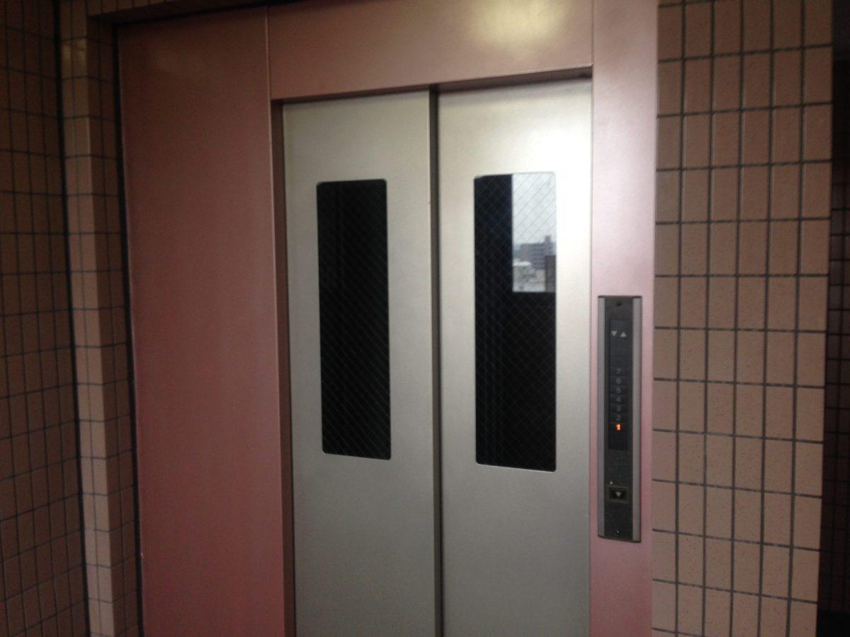 エレベーター メタリック塗装