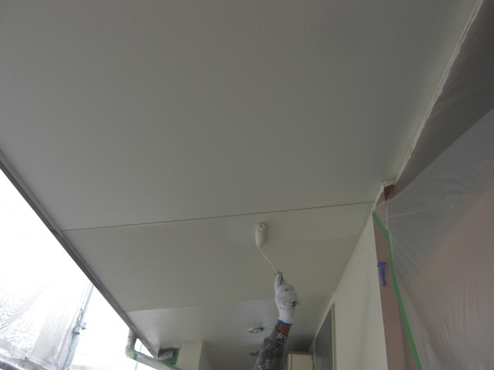 軒天上塗り2回目