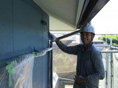 ブルー・青の外壁、ブラック・黒の屋根塗装完了です♪