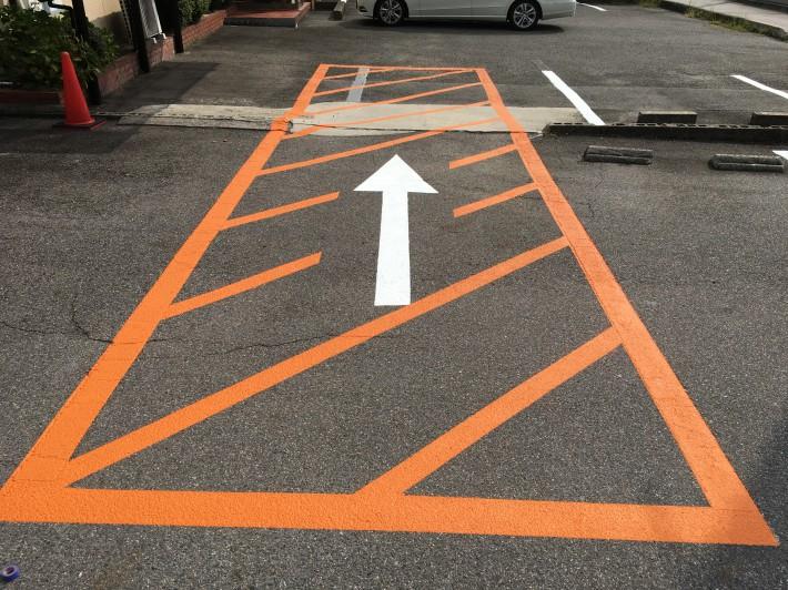 春日井市勝川町 H様 駐車場ライン塗装・ポール設置工事
