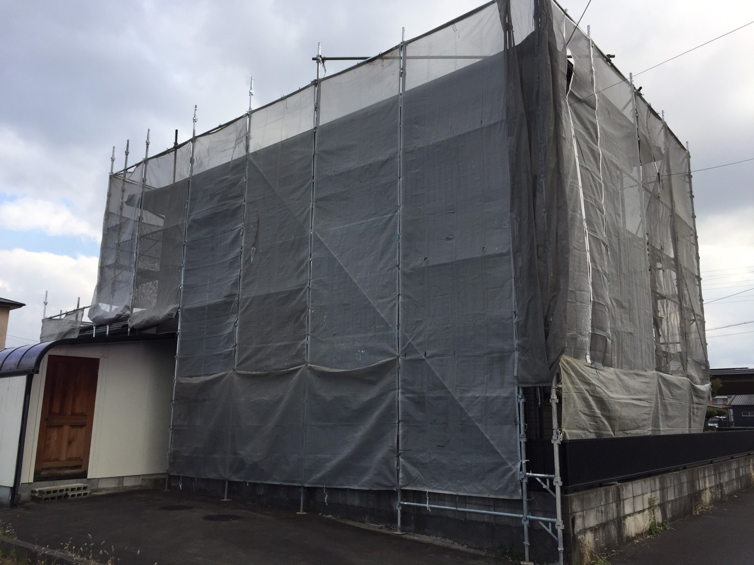 春日井市新開町 台風被害修理 瓦と下地補修