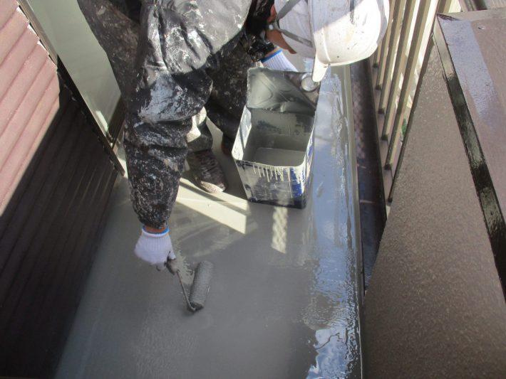 ウレタン2回目 規定の塗膜厚を形成するために2回目を塗布します。