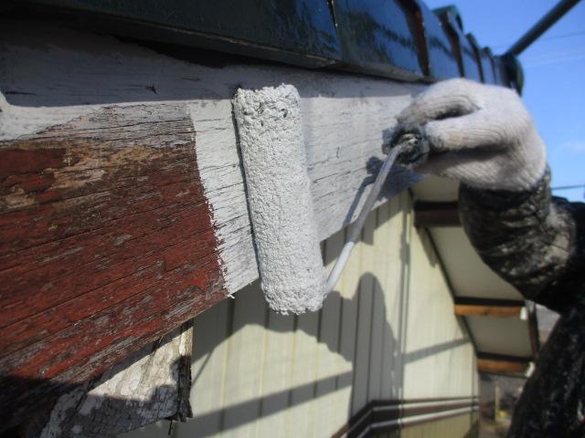 下塗り 塗膜劣化が激しい為、吸い込み止めです。