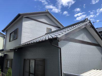 春日井市八田町T様邸の外壁・屋根塗装のご紹介です。 築44年で、20年前にトタンの上にサイデングをカ...