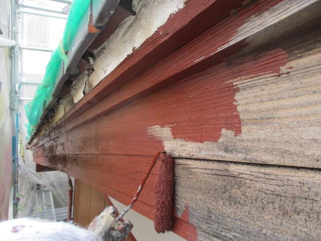 下塗り 吸い込みが著しい為、専用木部用下塗り材で塗ります。