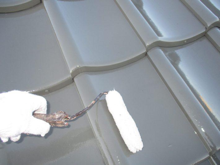 クリヤー 耐UV性と耐酸性を強化し、フッ素に勝る耐候性が得られます。