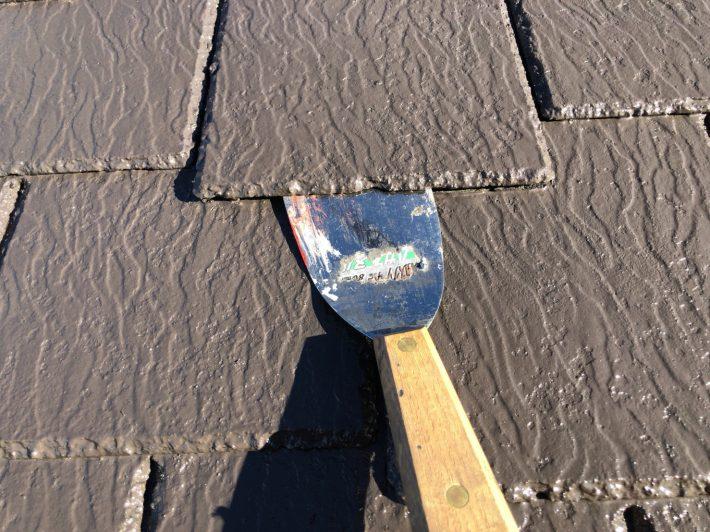 縁切り 塗料で隙間が埋まらないように 隙間を確保し、雨水の流れと通気性を良くします。