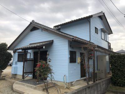 春日井市高山町Y様邸の外壁塗装・修繕工事のご紹介です。 Y様は、近くで工事をやっているのを見て下...