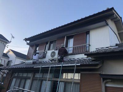 春日井市知多町町 N様邸 外壁塗装工事のご紹介です。 築44年で初めての塗り替えになります。2階部...