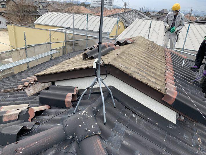 既存屋根材 撤去中