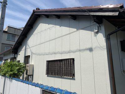 春日井市勝川新町 H様邸 外壁塗装工事のご紹介です。 築50年で2回目塗り替えになります。平屋の建...