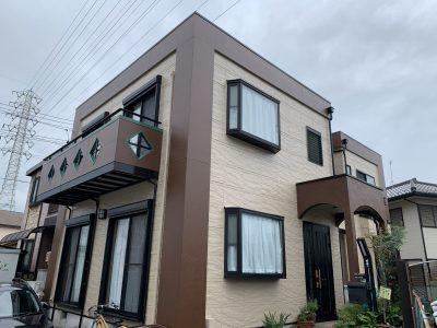 春日井市東野町 H様邸の外壁・屋根塗装のご紹介です。 築20年で初めての塗り替えになります。ベラン...