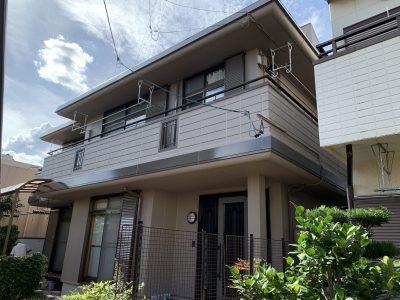 春日井市牛山町H様邸の外壁塗装のご紹介です。 築25年で2回目の塗り替えになります。旭化成さんの建...
