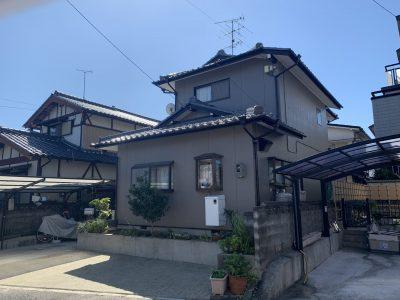 春日井市上田楽町 H様邸の外壁塗装のご紹介です。 築30年で2回目の塗り替えになります。以前の塗り...