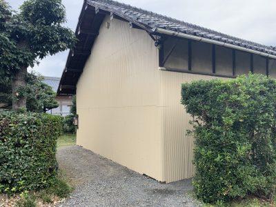 春日井市西屋町 N様邸 母家・南小屋 外壁塗装工事のご紹介です。 築46年の建物で初めての塗り替え...
