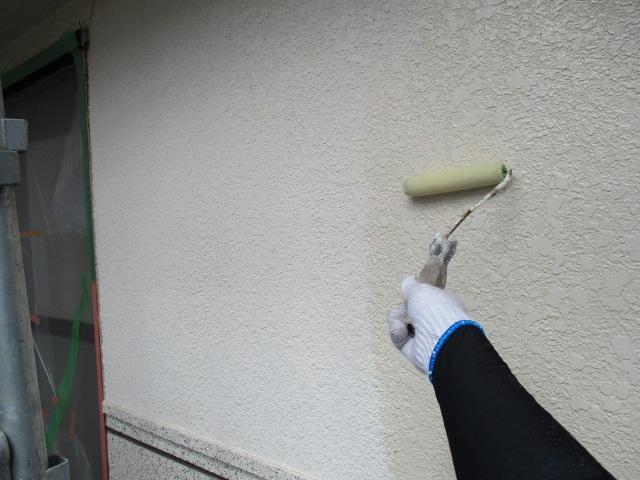 下塗り1回目 密着性を良くするための作業です。簡単に説明するとボンドのような役割です。