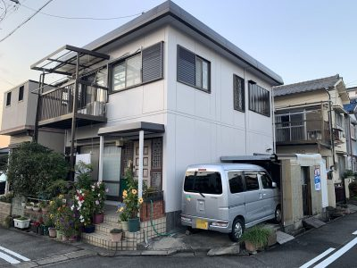 春日井市知多町 A様邸の外壁・屋根塗装のご紹介です。 築36年で4回目の塗り替えにで、セキスイハイ...