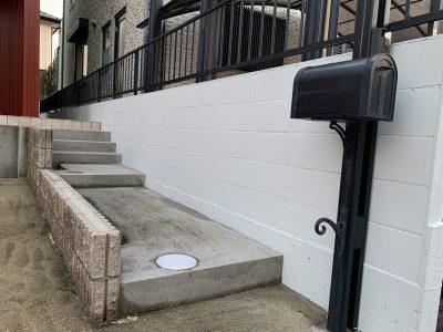 春日井市八田町 W様邸 外塀塗装工事のご紹介です。W様は半年前に、当社で外壁塗装工事を施工させて...