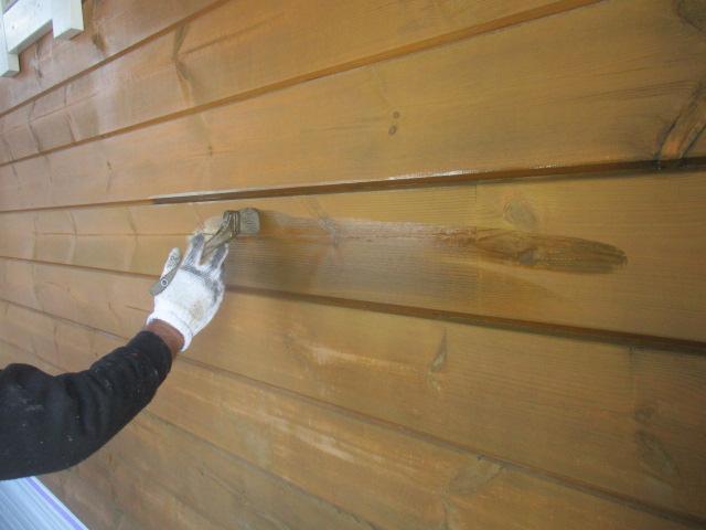 下塗り 木の呼吸を妨げず、高い撥水性、耐候性、耐紫外線性能を高めます。 木部に防カビ・防腐・防藻性能を付与できます。