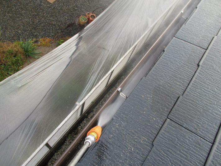 高圧洗浄 長年の汚れを洗い流します。