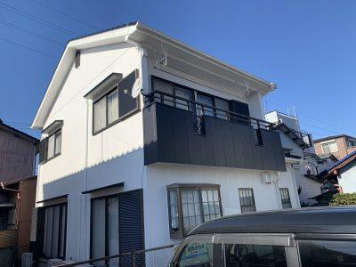 春日井市瑞穂通 F様邸の外壁・屋根塗装のご紹介です。 築30年で外壁は2回目・屋根は初めての塗り替...