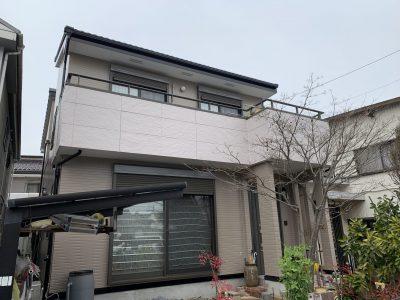 春日井市東野町 K様邸の外壁塗装のご紹介です。 築18年で初めてのの塗り替えになります。コーキング...
