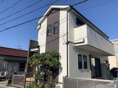 春日井市味美町 H様邸の外壁・屋根塗装のご紹介です。築11年で初めての塗り替えになります。コーキン...