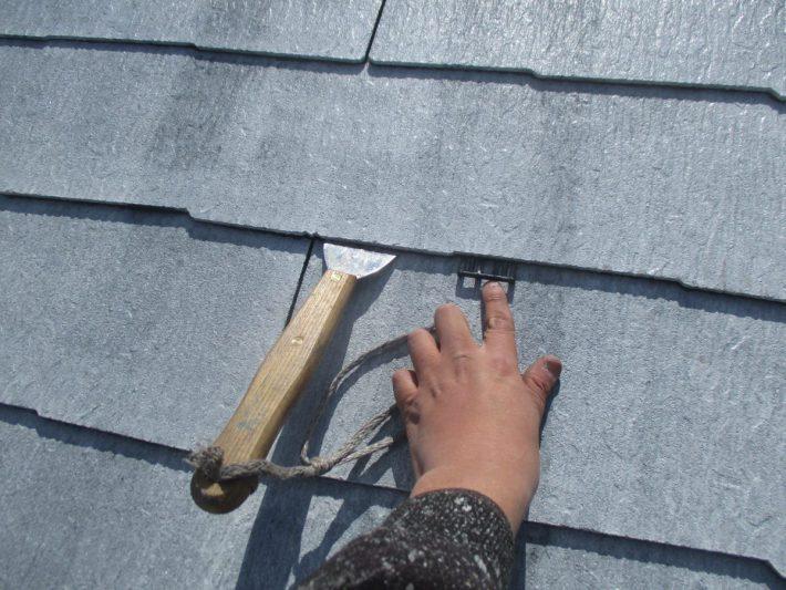 タスペーサー挿入 塗料で隙間が埋まらない様に 隙間を確保し、雨水の流れと通気性を良くします。
