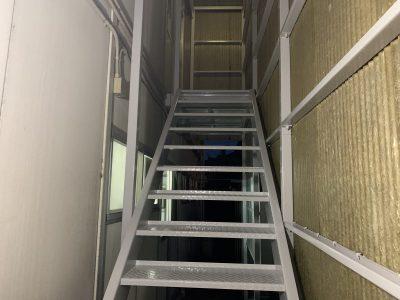 春日井市黒鉾町 S社様の鉄骨階段塗装工事ご紹介です。階段の歩行時間をご協力頂きまして有難うござい...