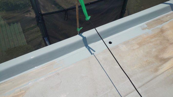 ウレタン1層目 ウレタン塗膜防水材を1層目塗布します。