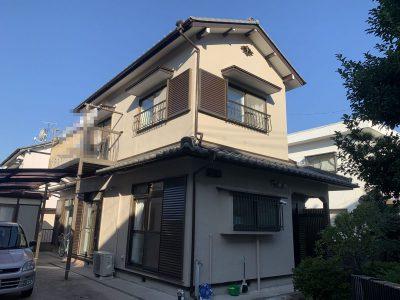 春日井市美濃町 H様邸の外壁塗装のご紹介です。 築41年で以前の塗り替えは15年前でした。細かいひび...