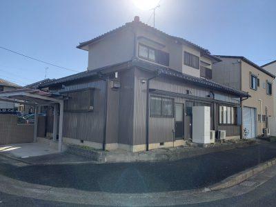 春日井市大手田酉町 K様邸の外壁塗装のご紹介です。 築30で2回目の塗り替えになります。お向かいさ...