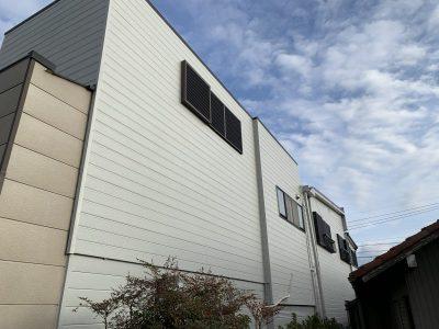 春日井市南下原町 K様邸の外壁塗装のご紹介です。 去年、南面と東面の2面のみ施工させて頂き、今回...