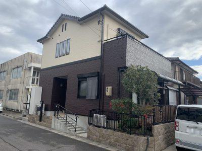 春日井市上田楽町 T様邸の外壁塗装のご紹介です。 築14年で初めての塗り替えになります。コーキング...