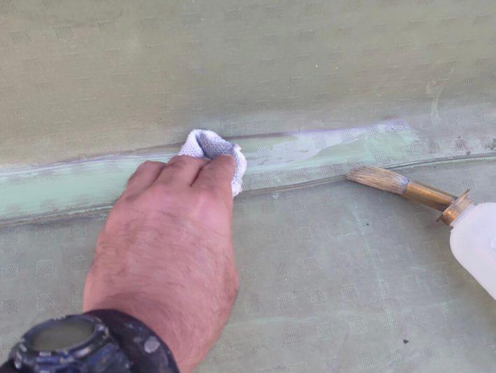 塩ビシート溶剤拭き