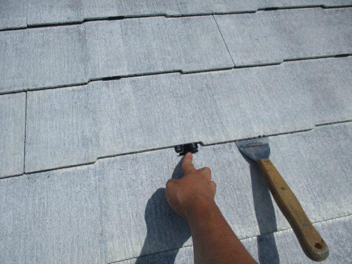 タスペーサー挿入 塗料で隙間が埋まらないように隙間を確保し、雨水の流れと通気性を良くします。